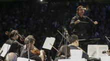 Bolsonaro sanciona MP, e reembolso em caso de cancelamento de show e viagens não será obrigatório