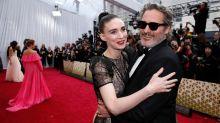 Por qué Joaquin Phoenix usó el mismo traje en toda la temporada de premios: su amuleto de la suerte