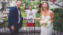 Adam Sandler se cuela en las fotos de boda de una pareja