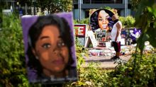 Police say they banged on Breonna Taylor's door 30 to 90 seconds: recordings