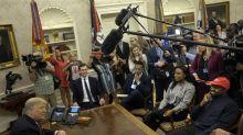 En sus encuentros con líderes negros, Trump ha preferido las sesiones de fotos en vez del contenido