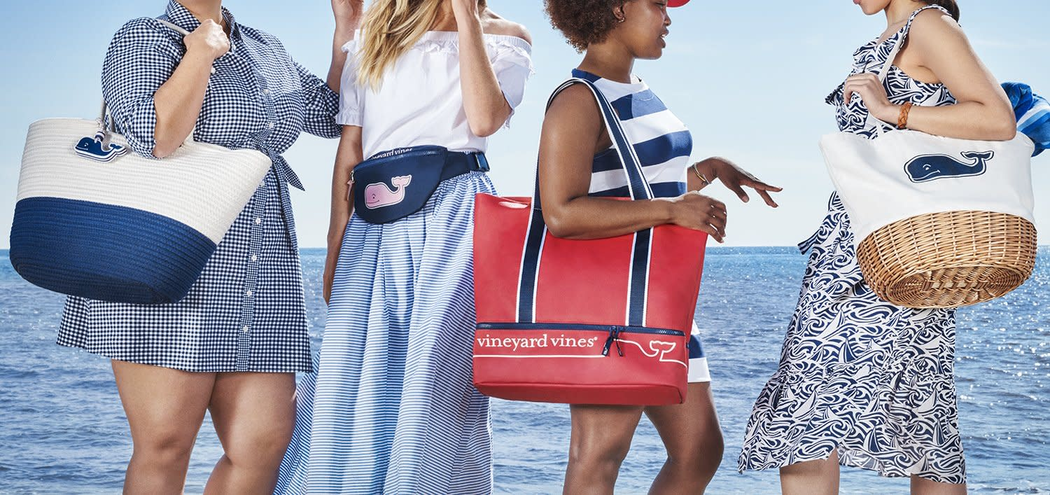 TARGET Flag Whale Fanny Pack Vineyard Vines Red//White//Blue