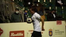 """El Salamanca despide a un jugador que llamó """"español de mierda"""" a un aficionado"""