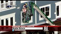Two Workers Rescued From Cherry Picker In Everett