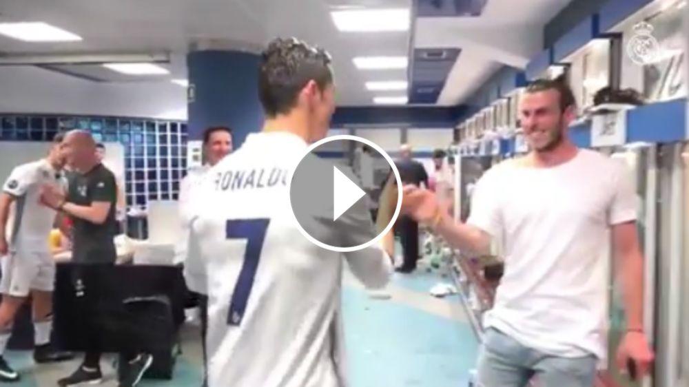 VÍDEO: Así recibieron a Cristiano Ronaldo en el vestuario tras su hat-trick al Bayern Múnich