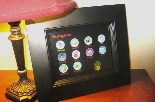 Sungale WiFi Widget photo frame gets a hands-on