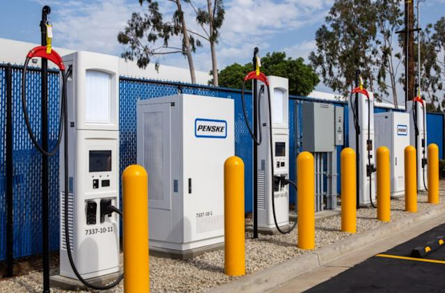 Penske debuts fast charging stations for electric delivery trucks