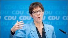 Kramp-Karrenbauer nennt AfD in Ostdeutschland rechtsradikal