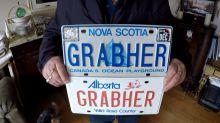 El canadiense al que le han prohibido usar su apellido en la matrícula del auto porque promueve la violencia contra las mujeres