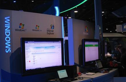 Microsoft puts full-scale Windows 7 Beta back in action