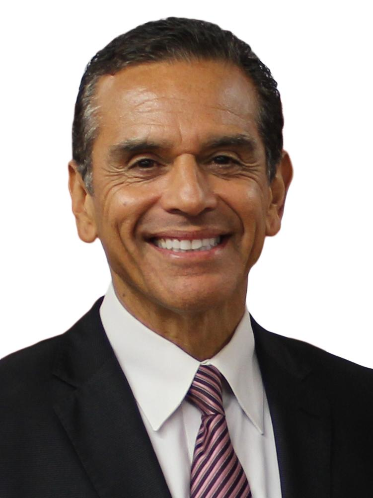 Former Los Angeles Mayor Antonio Villaraigosa Joins MedMen ...