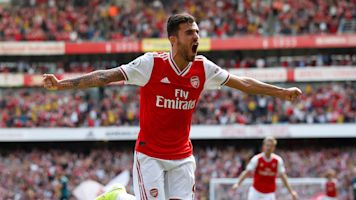 Perfect start continues as Arsenal tops Burnley