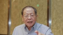 Kit Siang wants BN senators to quit