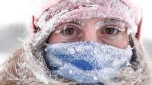 El invierno se acerca: 'tsunami' de nieve cae sobre una ciudad en Siberia