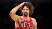 Sources: Bulls adamant about not negotiating buyout with center Robin Lopez