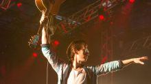 Alex Turner, líder de Arctic Monkeys, vuelve a estar enamorado