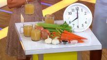Kellyann Petrucci's chicken bone broth recipe