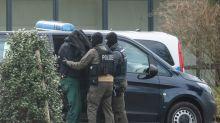 Bericht: Spitzel in der mutmaßlich rechten Terrorgruppe