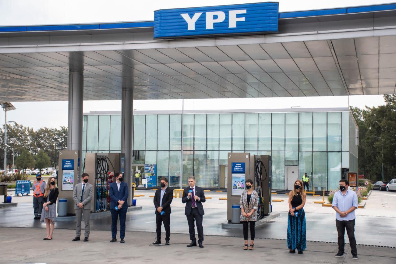 YPF lanza descuentos del 15% para personal educativo