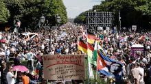 Demonstrationen in Berlin: Querdenker zeigen Innensenator Geisel an