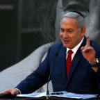 Israel's Netanyahu to give statement amid signs of early election
