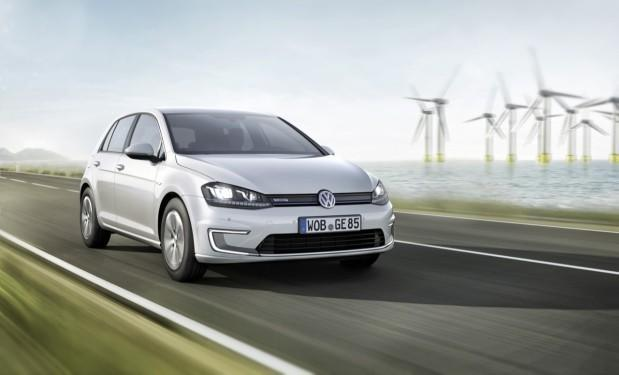 Volkswagen e-Golf unveiled: 118-mile range, charges 80 percent in 30 minutes