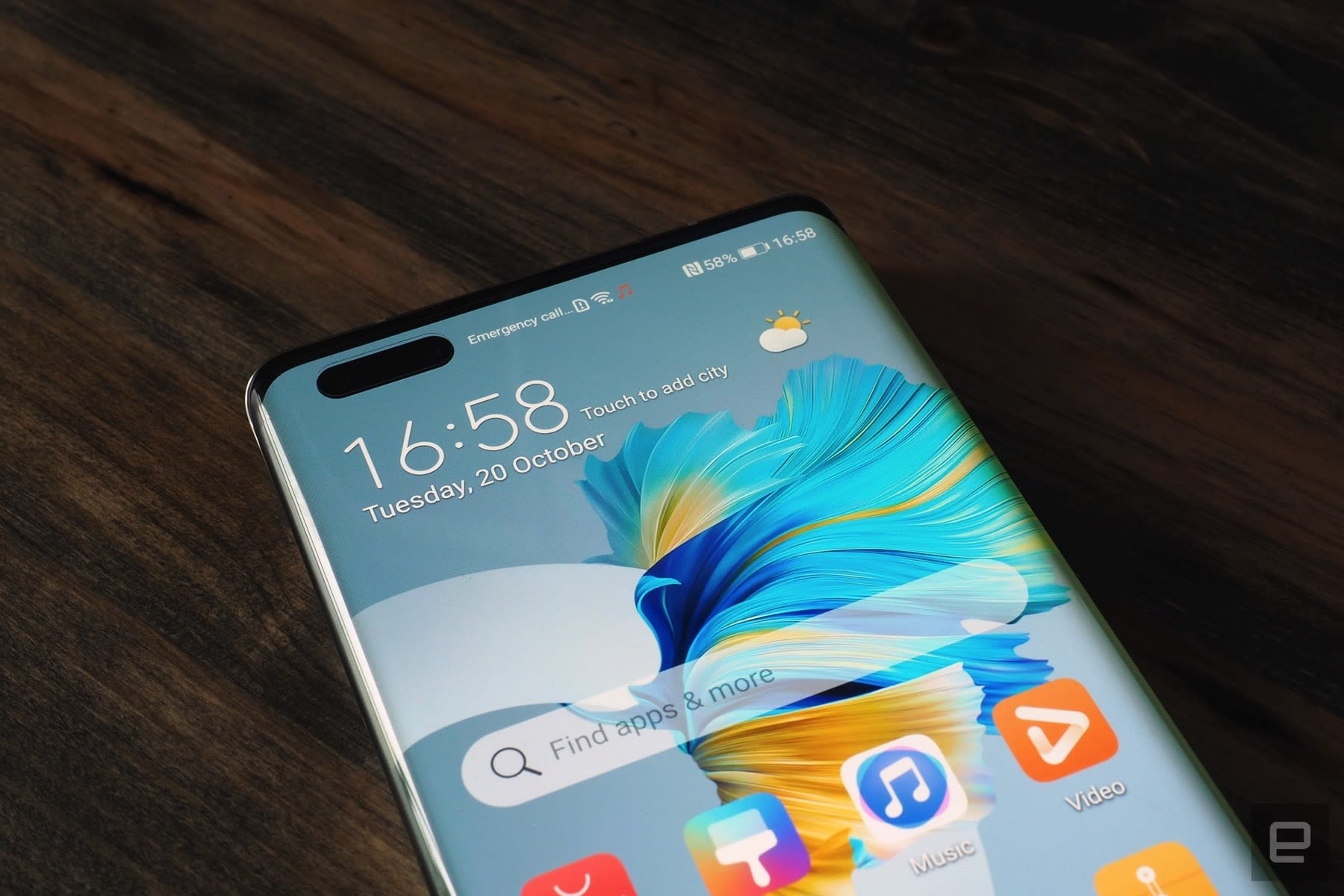 Huawei's smartphone struggles are hitting it hard in China