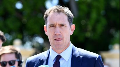 Sutherland briefs stars about fixing claim
