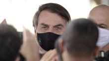 """Bolsonaro: """"Spiace per vittime di coronavirus, ma moriremo tutti"""""""