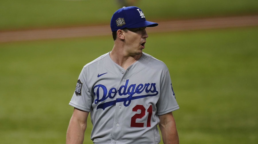 Buehler walks over Rays, Dodgers win Game 3