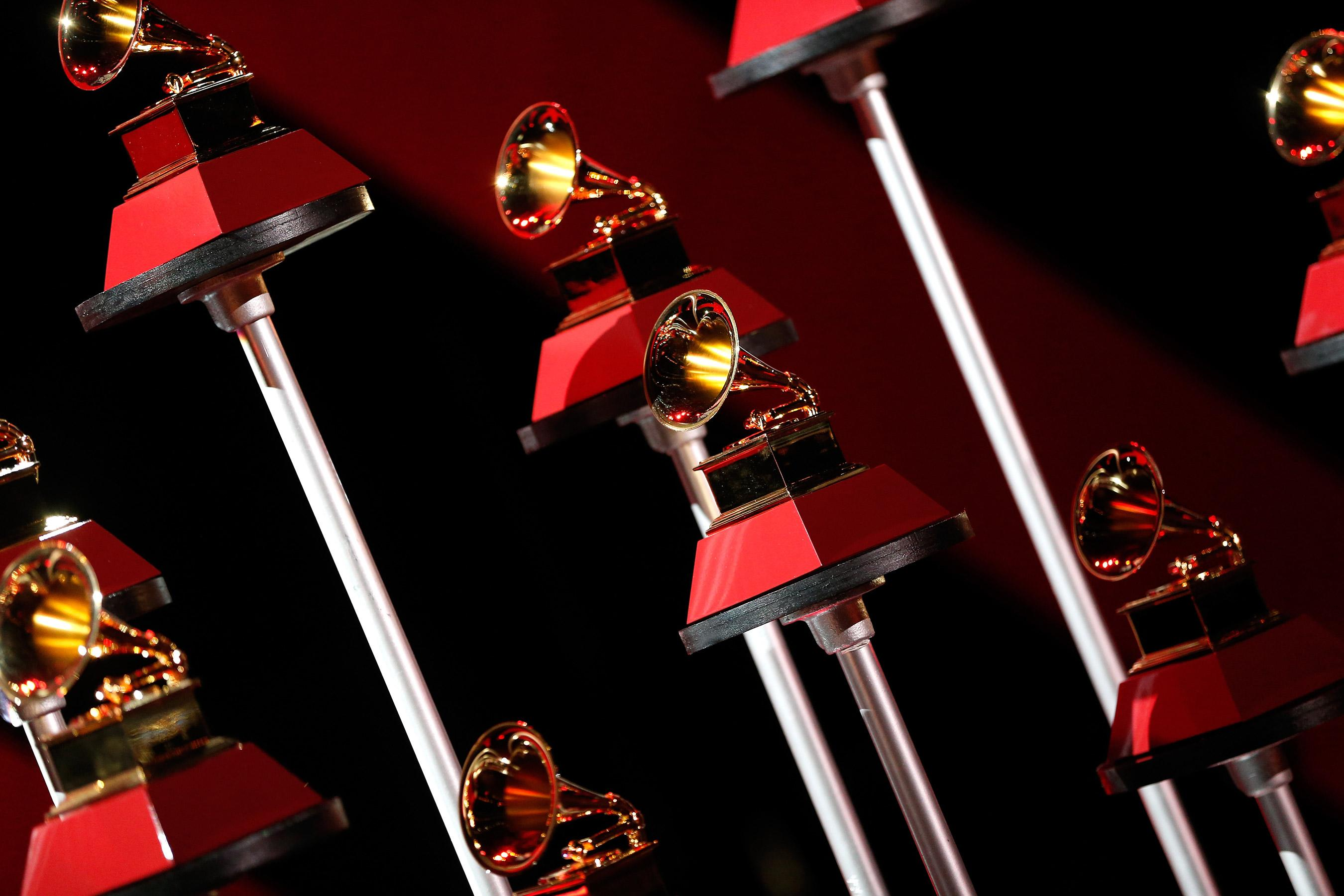 Grammys red carpet live stream watch the people ew pre show - Watch e red carpet online ...