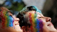 Em 1ª Parada no governo Bolsonaro, LGBTs mandam o recado: não há 'volta ao armário'