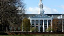 Trump chama de 'ridícula' decisão de Harvard de manter ensino remoto