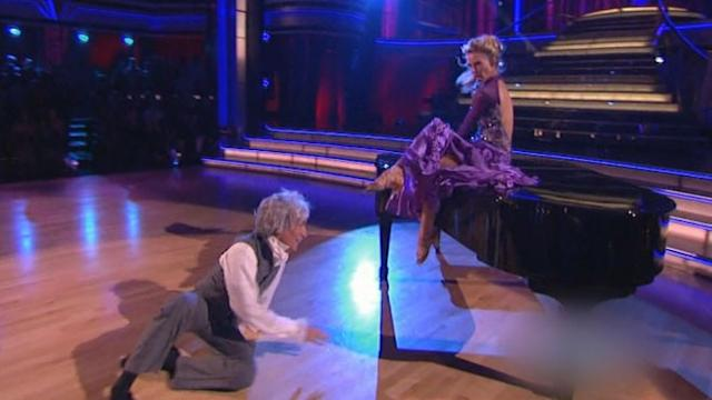 'Dancing With the Stars' Competitor Bill Nye Injured