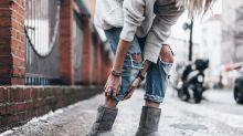 破解你的迷思:女生因穿 UGG 而被拒進入候機室,UGG Boots 到底算不算「室內拖」?
