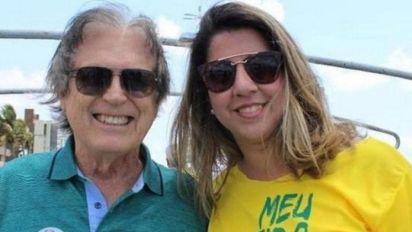 Candidatas do PSL compraram 10 milhões de santinho a menos de 48 horas das eleições