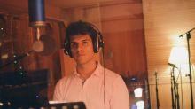 Escucha cantar al hijo oculto de Juan Gabriel