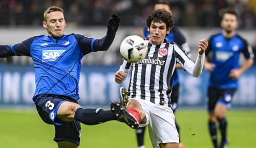 Bundesliga: Sportchef Hübner hoffte auf Valléjo-Verbleib bei der Eintracht