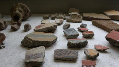 Nuovi scavi nella Regio V di Pompei: spuntano affreschi e decorazioni