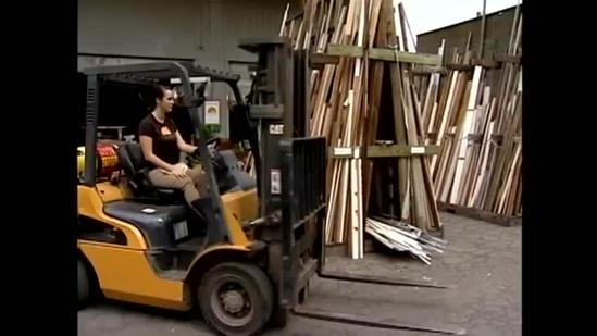 Re-use Hawaii takes unwanted materials and turns them into housing