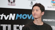 Fans queue from 5am at Suntec City to catch 'Descendants of the Sun' star Song Joong-ki