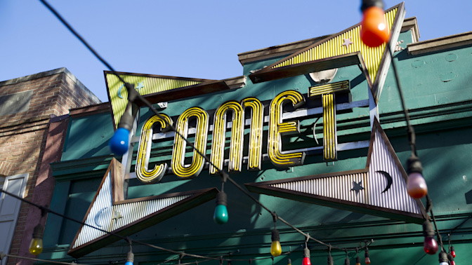 'Pizzagate' gunman pleads guilty as conspiracy theorist apologizes over case