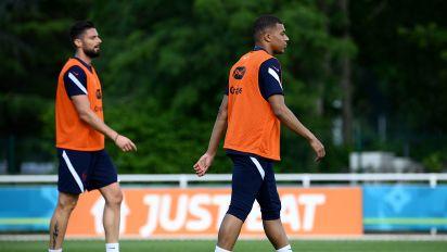 Giroud-Mbappé feud escalates at Euro 2020