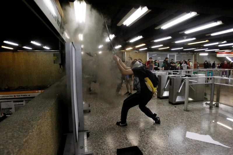 Chile declares state of emergency amid student riots