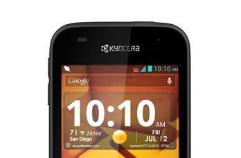 Kyocera's water-resistant Hydro Edge dives onto Sprint, Boost Mobile this month