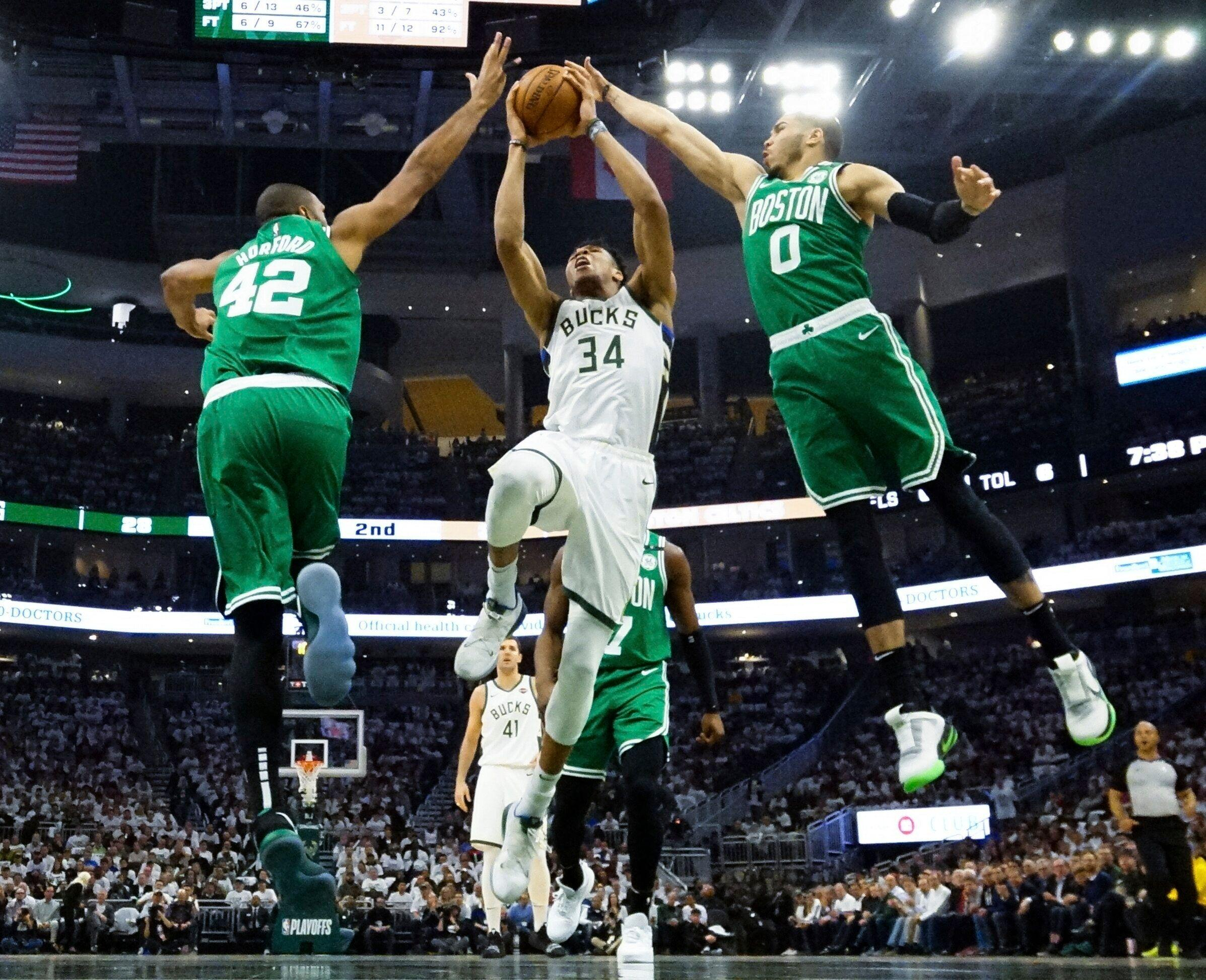 20f17e21ad4 Giannis Antetokounmpo announces his presence with authority in Game 2 of  East semis