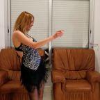 Belly dancer keeps Tunisians entertained through coronavirus lockdown