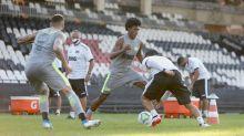 Vasco entra em acordo com elenco e deve ir ao mercado; clube teme baixas importantes no plantel