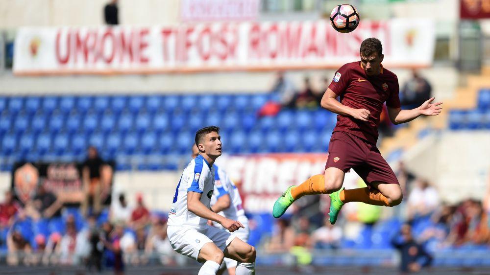 Roma, Dzeko cerca il 26° goal in campionato per eguagliare Totti