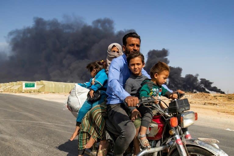 Deputados americanos condenam retirada de tropas da Síria